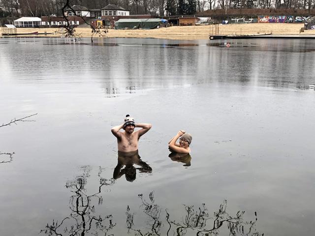 011_iceswimming.jpg
